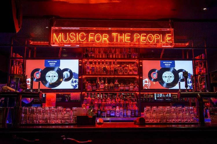 musique-comment-peut-elle-influencer-votre-restaurant_tiller