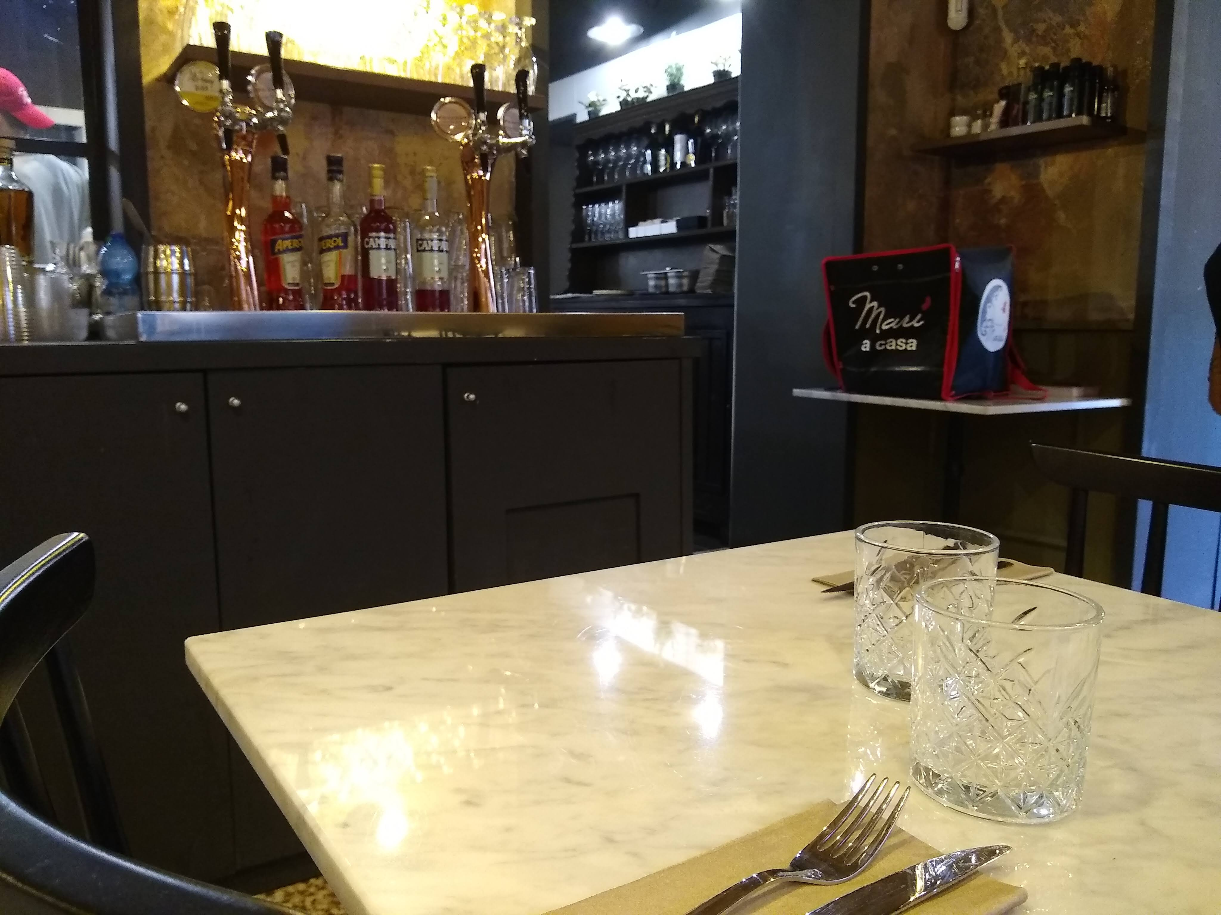 Sala interna Pizzeria Marì